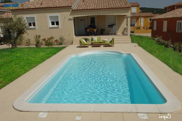 piscine coque nage contre courant